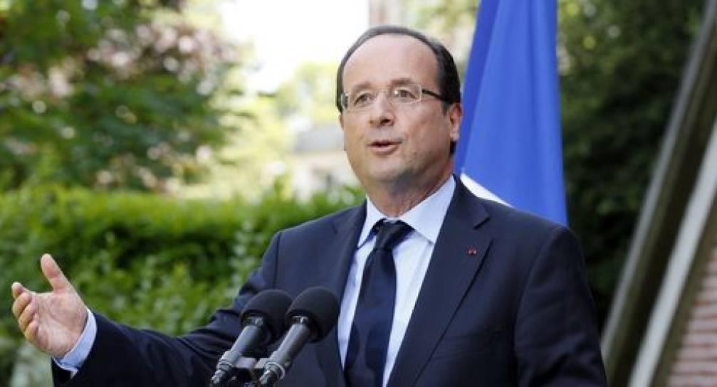"""La svolta di Hollande sull'eutanasia: """"Solo la sedazione per i malati terminali"""""""
