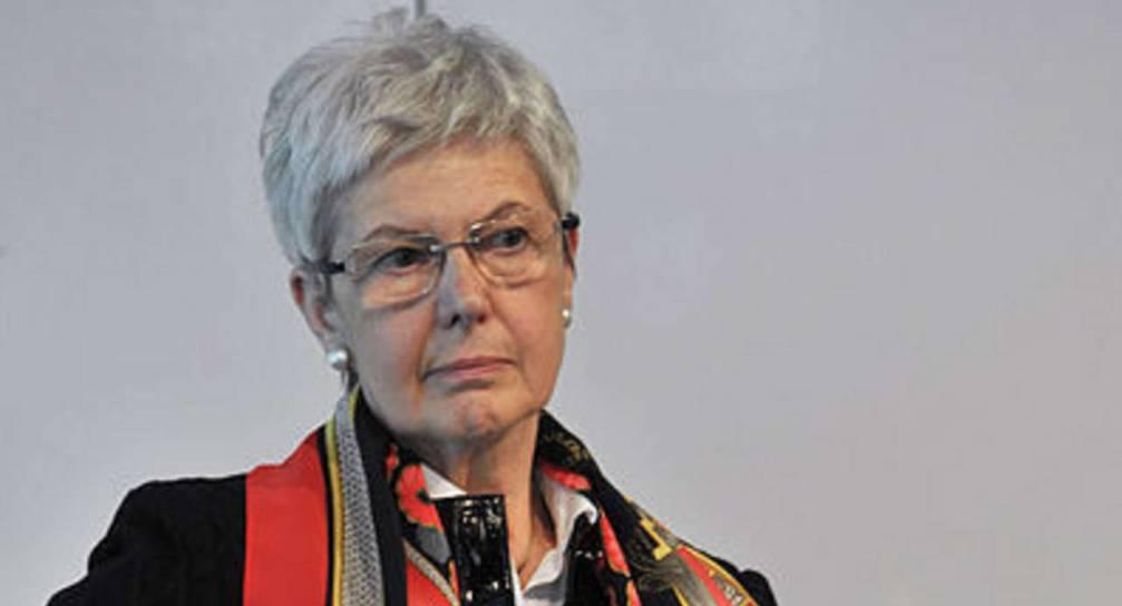 Acido in faccia alla presidente dell'associazione tedesca